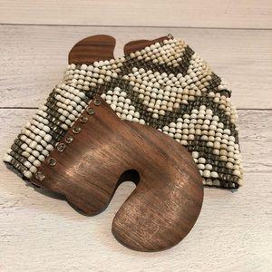 Vintage White & Gold, Beaded & Wooden Belt